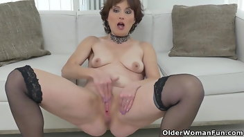 Striptease European Mom