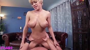 Juggs Boobs MILF Mature